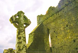 Ireland_rock_of_cashel.jpg